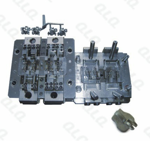 N106K non-lock slider body with key-hole die casting mould